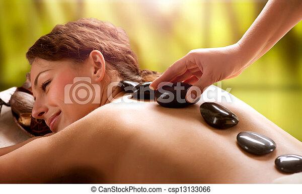 ásványvízforrás, megkövez, salon., dayspa, massage. - csp13133066