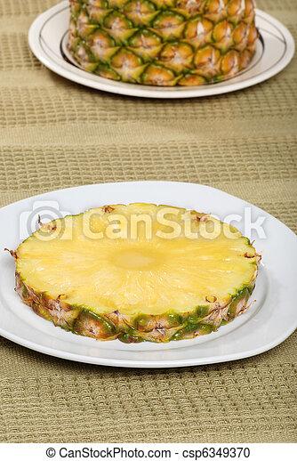 ananász, tányér - csp6349370