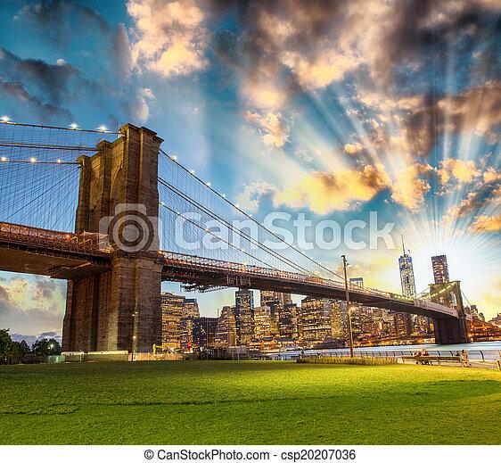 bridzs, láthatár, nyomasztó, brooklyn, park., éjszaka, manhattan - csp20207036