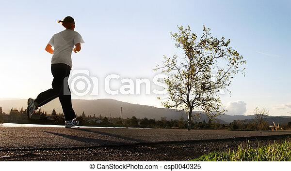 futás, reggel - csp0040325