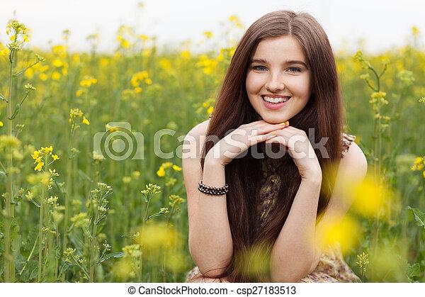 gyönyörű, megfog, nő, fiatal - csp27183513