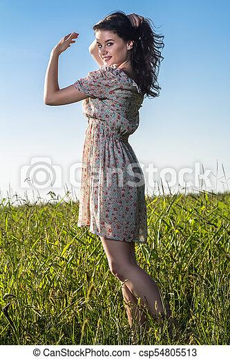gyönyörű, megfog, nő, fiatal - csp54805513