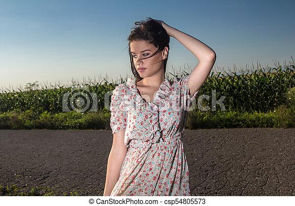 gyönyörű, megfog, nő, fiatal - csp54805573
