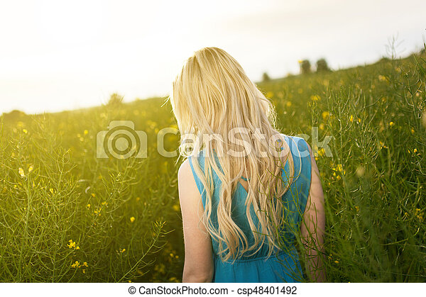 gyönyörű, megfog, nő, fiatal - csp48401492