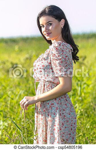 gyönyörű, megfog, nő, fiatal - csp54805196