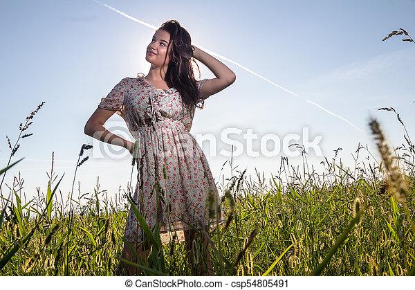 gyönyörű, megfog, nő, fiatal - csp54805491