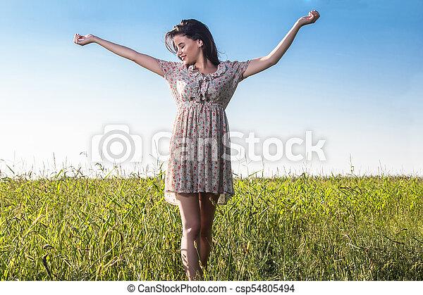 gyönyörű, megfog, nő, fiatal - csp54805494