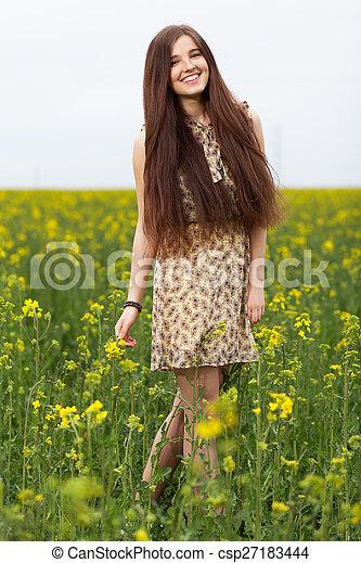 gyönyörű, megfog, nő, fiatal - csp27183444