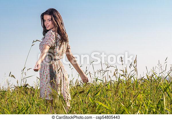 gyönyörű, megfog, nő, fiatal - csp54805443