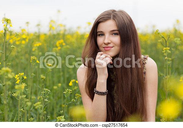 gyönyörű, megfog, nő, fiatal - csp27517654