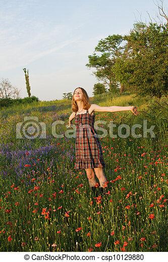gyönyörű, mező, nő, fiatal - csp10129880