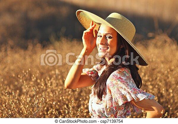 gyönyörű, nyár, nő, fiatal, mező, idő - csp7139754