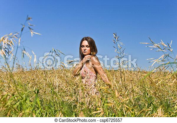 gyönyörű, parkosít., nő, kezezés., fiatal, mező, rye., érint, vidéki, betakarít, fülek - csp6725557