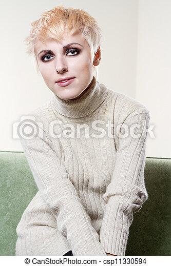gyönyörű woman, fiatal - csp11330594