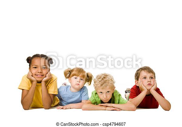 gyerekek, fekvő - csp4794607