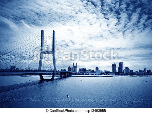 kék, bridzs, ég, alatt - csp13453555