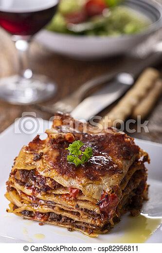 lasagna, porció, tányér - csp82956811