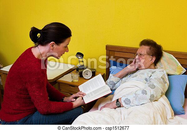 levert woman, öreg, visited - csp1512677
