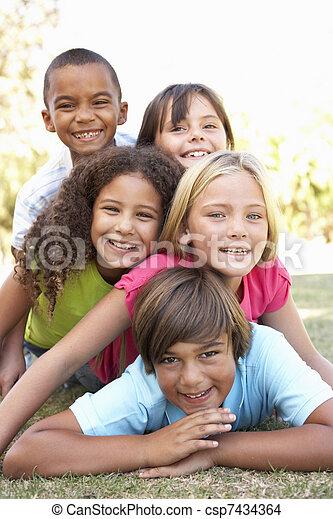 liget, gyerekek, csoport, feláll, bolyhos - csp7434364