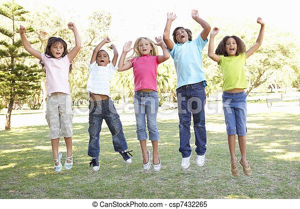 liget, ugrás, csoport, gyerekek, levegő - csp7432265