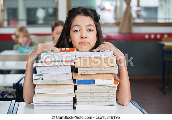 maradék, kazalba rakott, bús, előjegyez, áll, íróasztal, diáklány - csp15349195