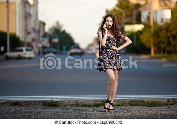 nő, fiatal, város, gyönyörű - csp6920843