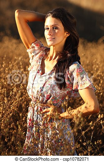 nő, summertime idő, mező, gyönyörű - csp10782071