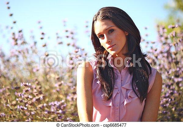 nő, summertime idő, mező, gyönyörű - csp6685477