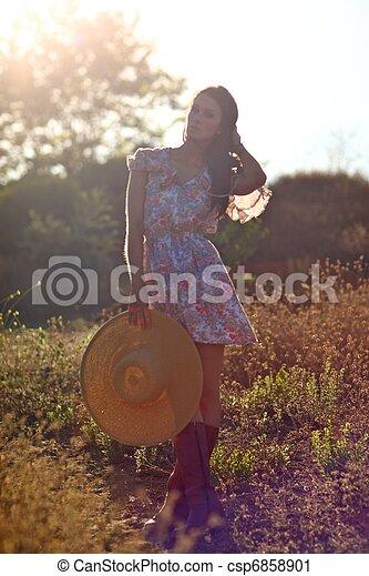 nő, summertime idő, mező, gyönyörű - csp6858901
