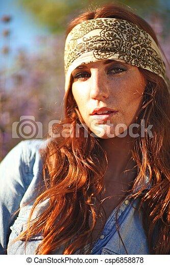 nő, summertime idő, mező, gyönyörű - csp6858878