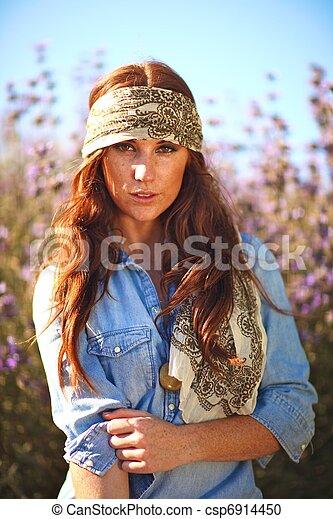 nő, summertime idő, mező, gyönyörű - csp6914450