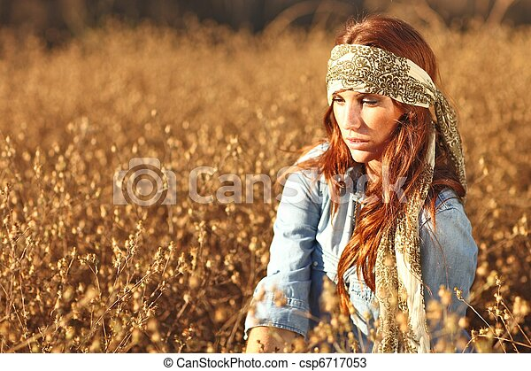 nő, summertime idő, mező, gyönyörű - csp6717053
