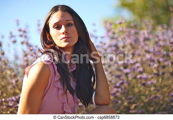 nő, summertime idő, mező, gyönyörű - csp6858873