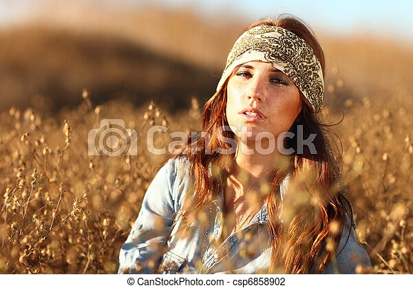 nő, summertime idő, mező, gyönyörű - csp6858902