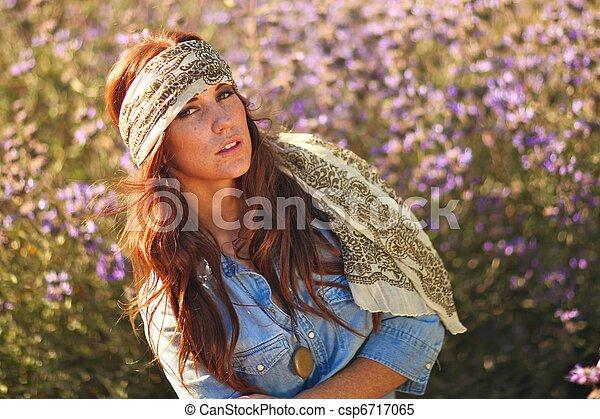 nő, summertime idő, mező, gyönyörű - csp6717065