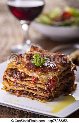 porció, tányér, lasagna - csp78958356