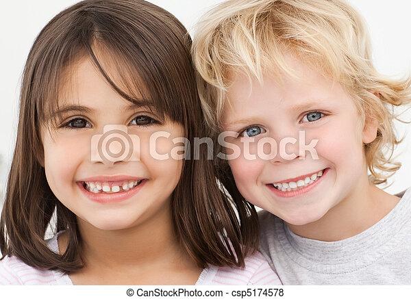 portré, gyerekek, konyha, két, boldog - csp5174578