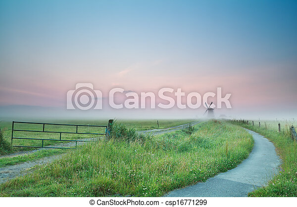 szélmalom, köd, bicikli, napkelte, út - csp16771299