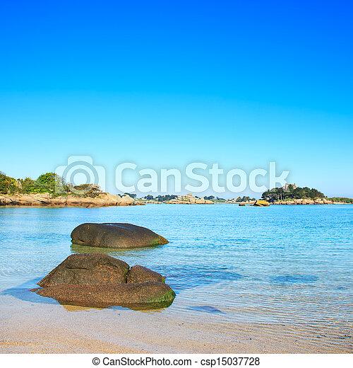 tengerpart, brittany, ploumanach, öböl, france., kő, reggel - csp15037728