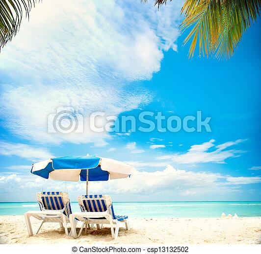tengerpart, paradicsom, szünidő, concept., sunbeds, idegenforgalom - csp13132502