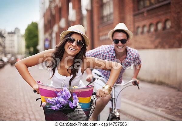 város, párosít, kerékpározás, boldog - csp14757586