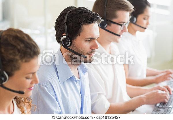 vásárló, dolgozó, ügynökök, szolgáltatás - csp18125427