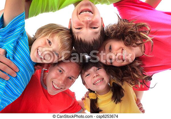 vidám mosolyog, gyerekek - csp6253674