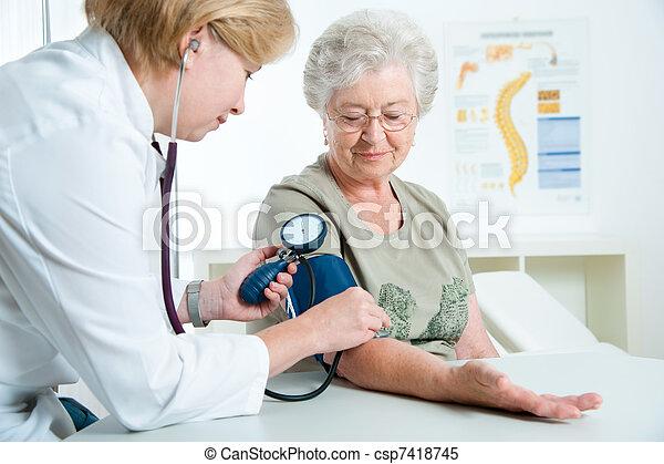 vizsgálat, orvosi - csp7418745